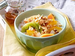 Kokos-Müsli mit exotischen Früchten Rezept