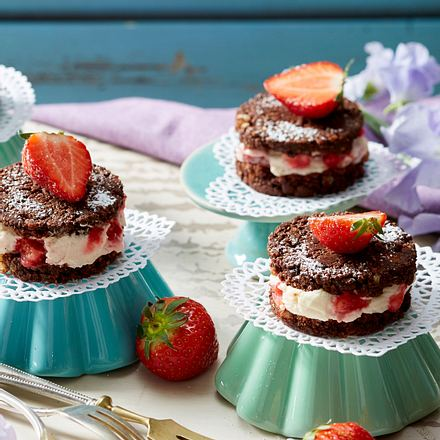 Kokos-Sandwiches mit Erdbeer-Creme Rezept
