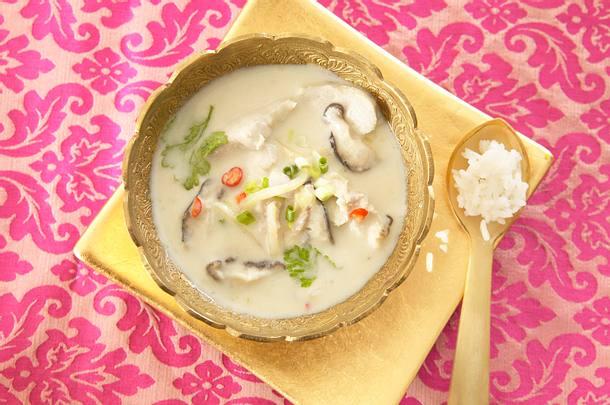 Kokosnusssuppe mit Hähnchen (Tom Kah Gai) Rezept