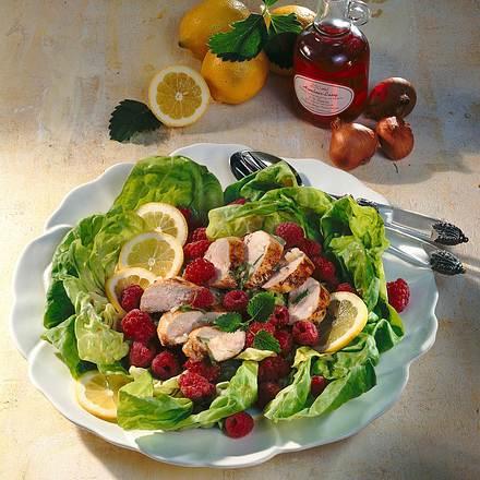 Kopfsalat mit Himbeeren und Hähnchenfilet Rezept