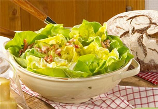 Kopfsalat mit warmer Speckmarinade Rezept