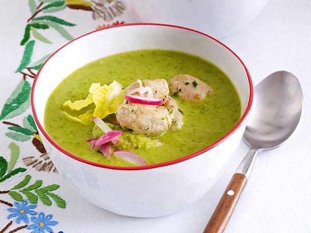 Kopfsalatsuppe mit Radieschen-Grün und Kalbfleischklößchen Rezept