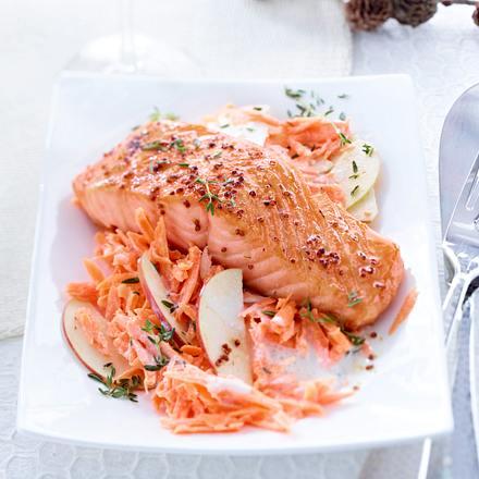 Kopie. Gebratener Lachs mit Senf-Honig-Glasur und Apfel-Möhrensalat (mehr Salat, dunkle Vinaigrette) Rezept