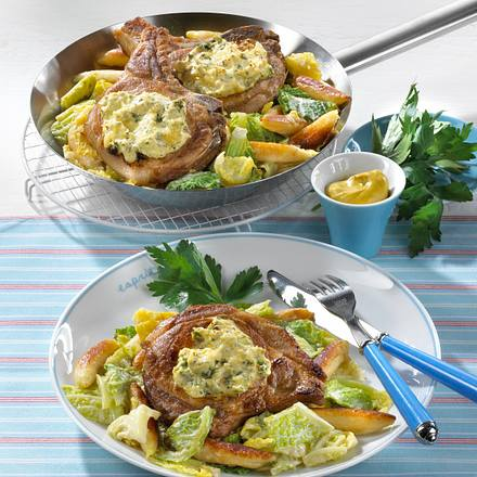 Kotelett-Pfanne mit Wirsing-Schupfnudeln Rezept