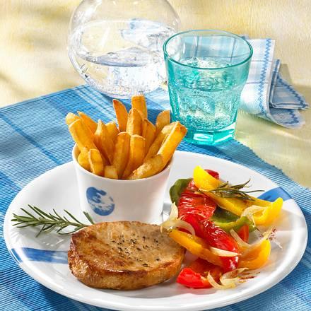 Koteletts mit Paprikagemüse und Pommes frites Rezept