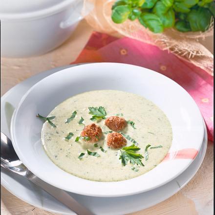 Kräuter-Cremesuppe mit Klößchen Rezept
