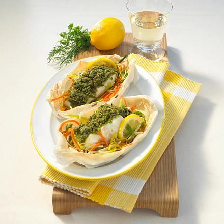 Kräuter-Fischfilet auf Juliennegemüse Rezept