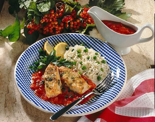 Kräuter-Fischfilet mit Tomatensugo Rezept