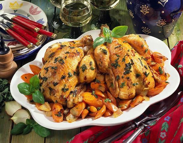 Kräuter-Hähnchen im Möhrenbett Rezept