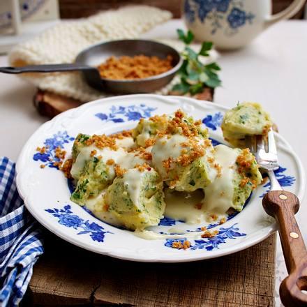 Kräuter-Kartoffel-Nocken mit Vier-Käse-Soße Rezept