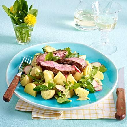 Kräuter-Kartoffelsalat mit Steak-Streifen Rezept