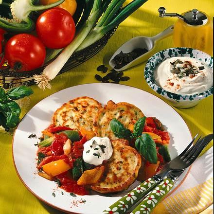 Kräuter-Quark-Plinsen mit Gemüserahm Rezept