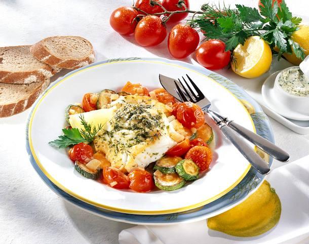 Kräuterfisch mit Tomaten-Zucchini-Gemüse Rezept