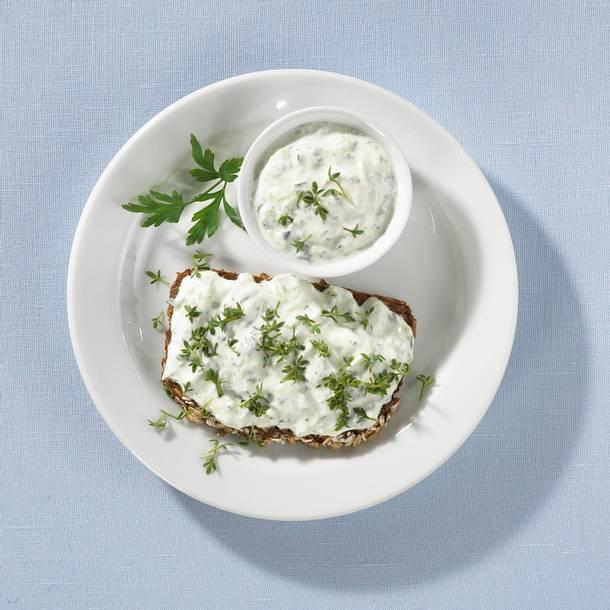Kräuterquark-Brot Rezept