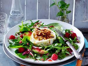 Kräutersalat mit Ziegenkäse, Avocado und Himbeere Rezept