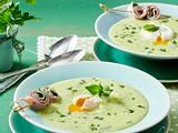 Kräutersuppe mit pochiertem Ei und Kräuter-Schinken-Röllchen Rezept