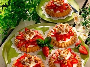 Krokant-Mürbeteigtörtchen mit Zitronenquark-Erdbeer Rezept