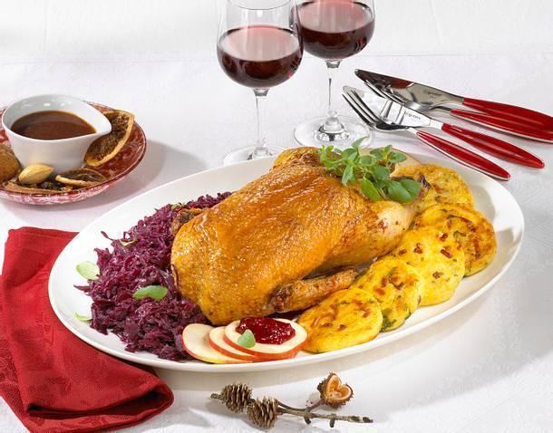 Krosse Ente auf Gewürzrotkohl Rezept