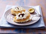 Kuchen-Diät: Gefüllte Waffeln mit Pflaumenmus und Sahne Rezept