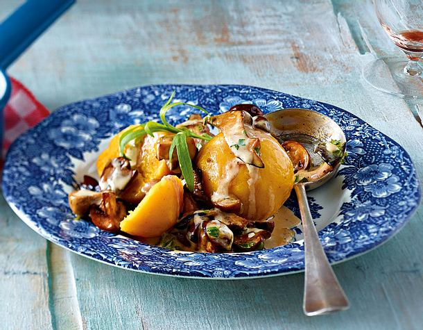 Kürbis-Kartoffel-Knödel mit Pilzragout Rezept