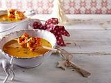 Kürbis-Kokossuppe mit Garnelenspieß Rezept