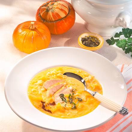 Kürbis-Kraut-Suppe mit Hähnchenfilet Rezept