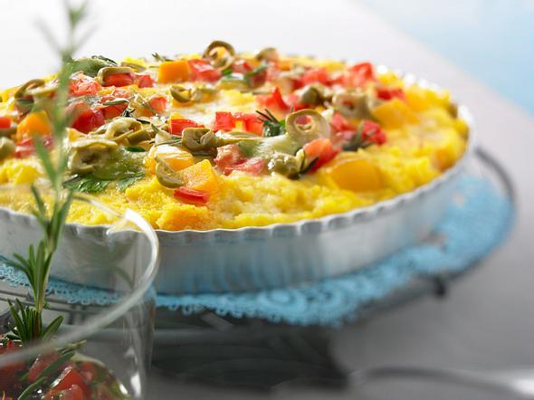 Kürbis-Polenta-Tarte mit Tomaten-Oliven-Salsa Rezept