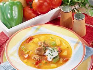 Kürbissuppe mit Wurstbällchen Rezept