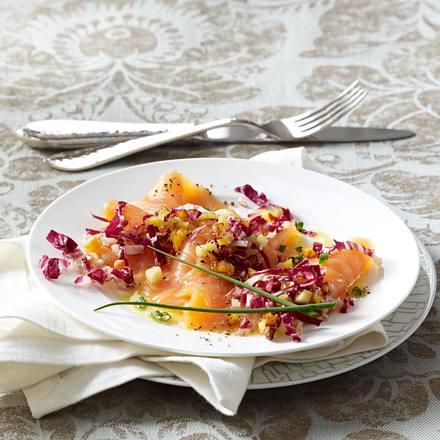 Lachs-Carpaccio mit Röstkartoffel-Apfel-Vinaigrette Rezept