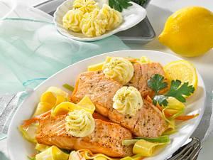 Lachs in Zitronen-Pfeffer-Butter Rezept