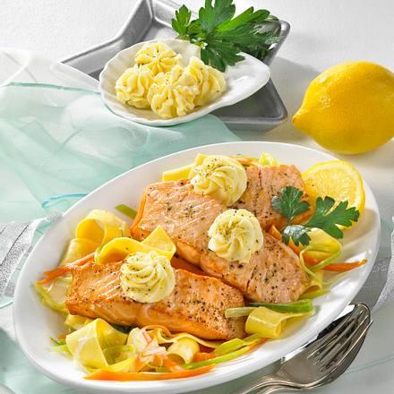 Lachs mit Zitronen-Pfeffer-Butter Rezept