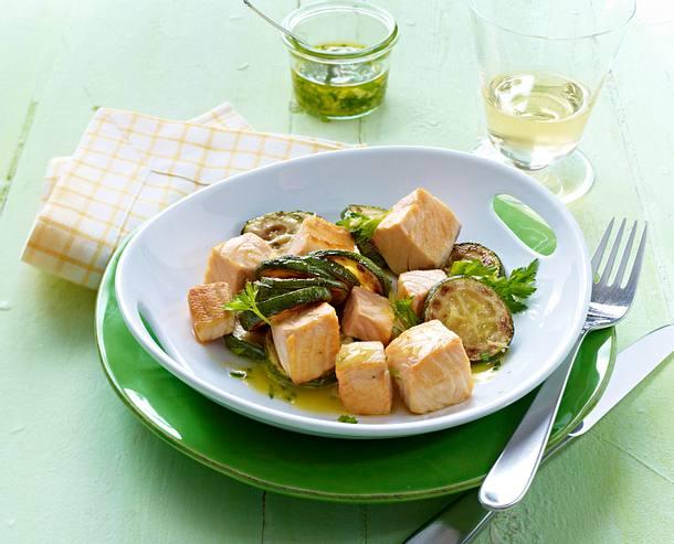 Lachs mit Zucchinigemüse Rezept
