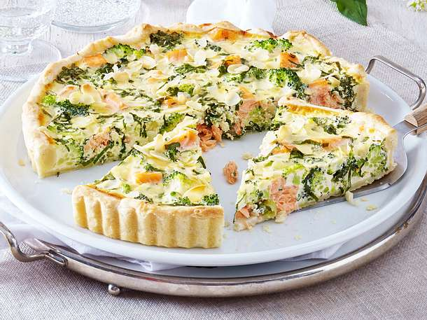 lachs quiche in b rlauch eiermilch rezept lecker. Black Bedroom Furniture Sets. Home Design Ideas