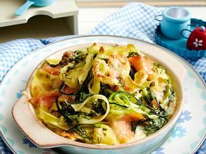 Lachs-Zucchini-Gratin mit Nudeln (Leserrezept) Rezept