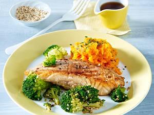 Lachsfilet mit Brokkoli und Möhrenpüree Rezept