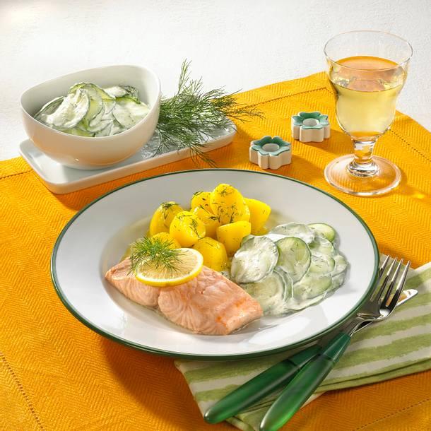 Lachsfilet mit Gurkensalat Rezept