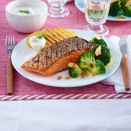 Lachsfilet mit Mandel-Brokkoli Rezept