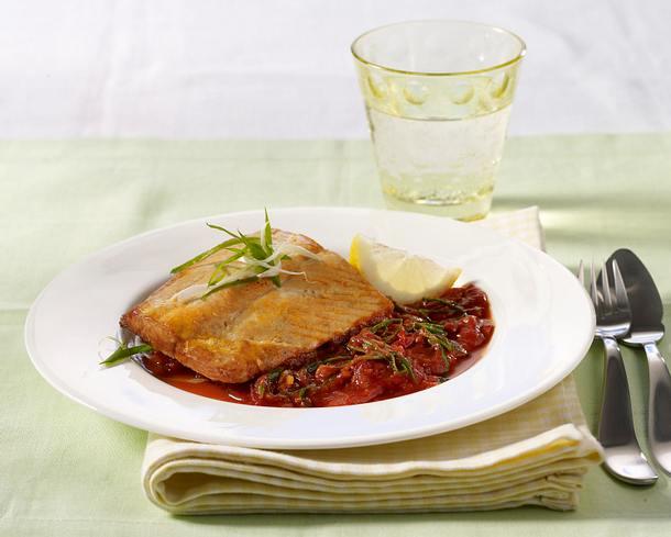 Lachsfilet mit Tomatensoße Rezept