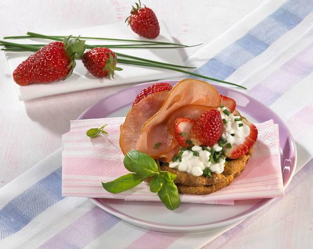 Lachsschinken-Erdbeer-Brot Rezept