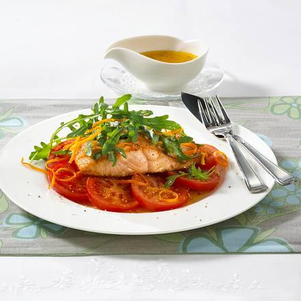 Lachsschnitte auf Tomaten Rezept