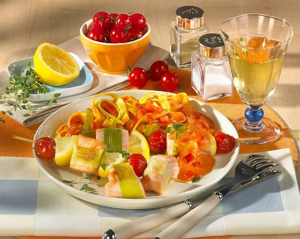 Lachsspieße mit Zitrone und Kirschtomaten Rezept