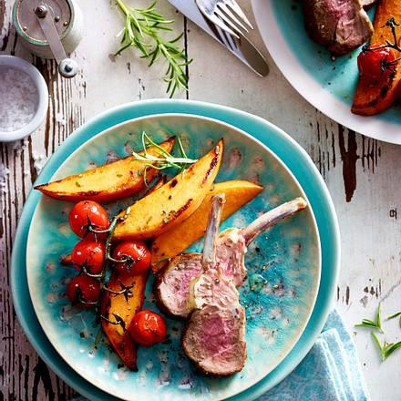 Lamm-Koteletts mit Süßkartoffeln und Kirschtomaten Rezept