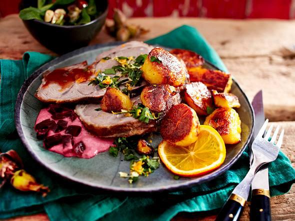 Lamm mit Orangen-Gremolata, Rote Bete-Dip und gerösteten Kartoffeln Rezept
