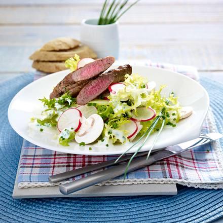 Lammfilet auf Gurken-Frisée-Salat Rezept