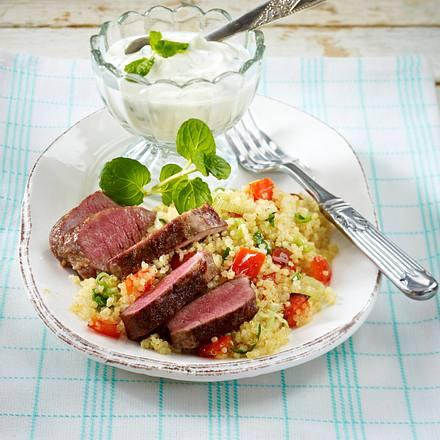 Lammfilet auf Quinoa und Minzjoghurt Rezept