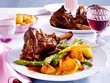 Lammhaxen mit Spargel und Möhren Rezept