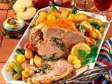 Lammkeule mit Apfel-Lauchzwiebel-Gemüse Rezept