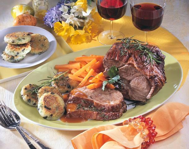 Lammkeule mit Kartoffel-Kräuter-Plätzchen Rezept