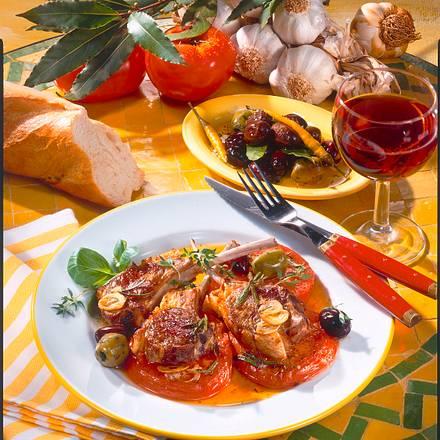Lammkoteletts auf Tomaten Rezept