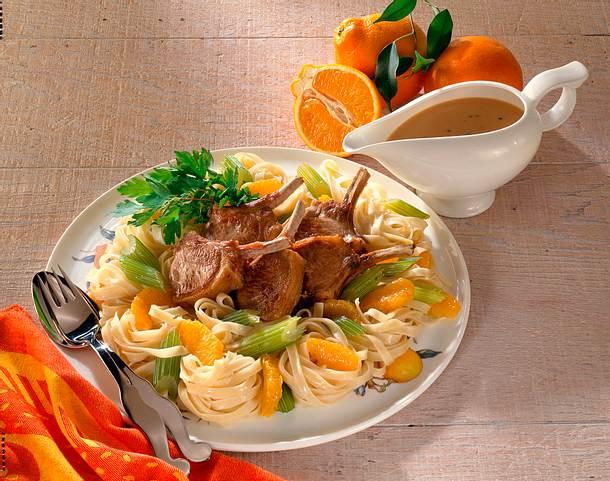 Lammkoteletts mit Bandnudeln und Mineolas Rezept